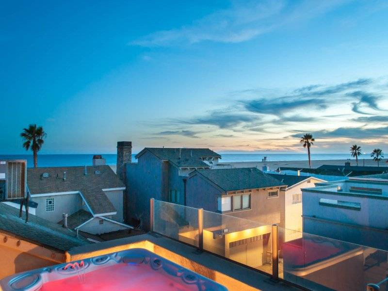 contemporary beach bungalow