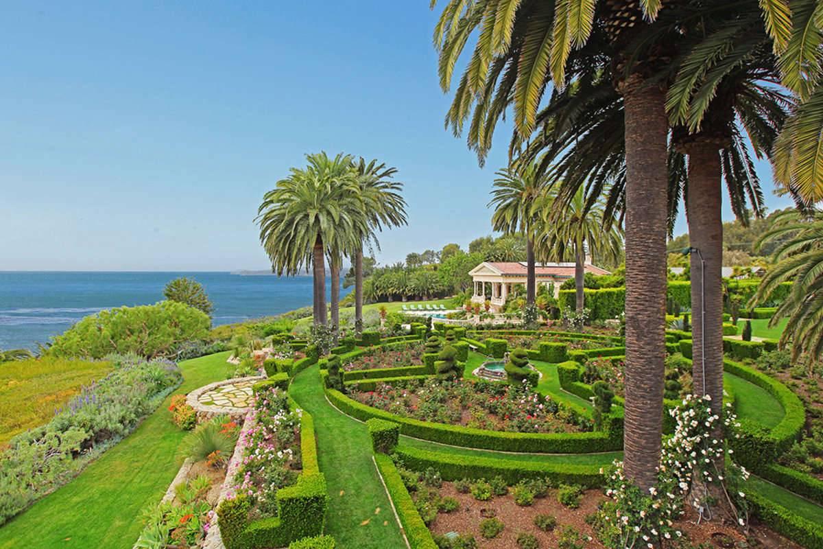 Enchanting 'La Villa Contenta'