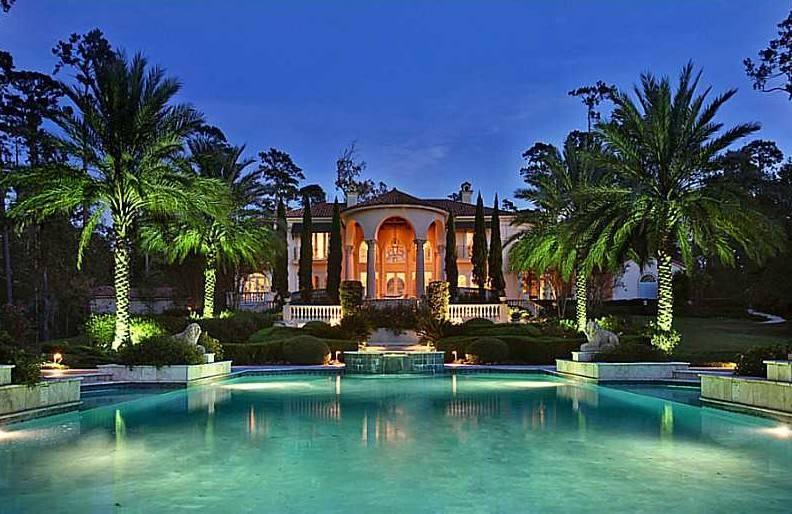 Kingly Italian-Style Villa