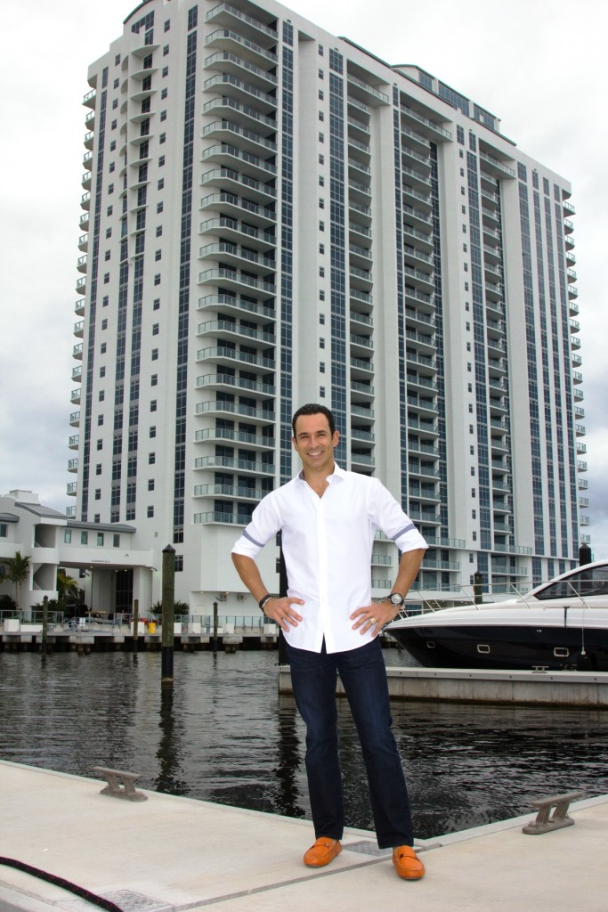 Photo 11 Helio Castroneves in front of North tower