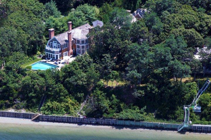 Posh Southampton Mansion on the Bay