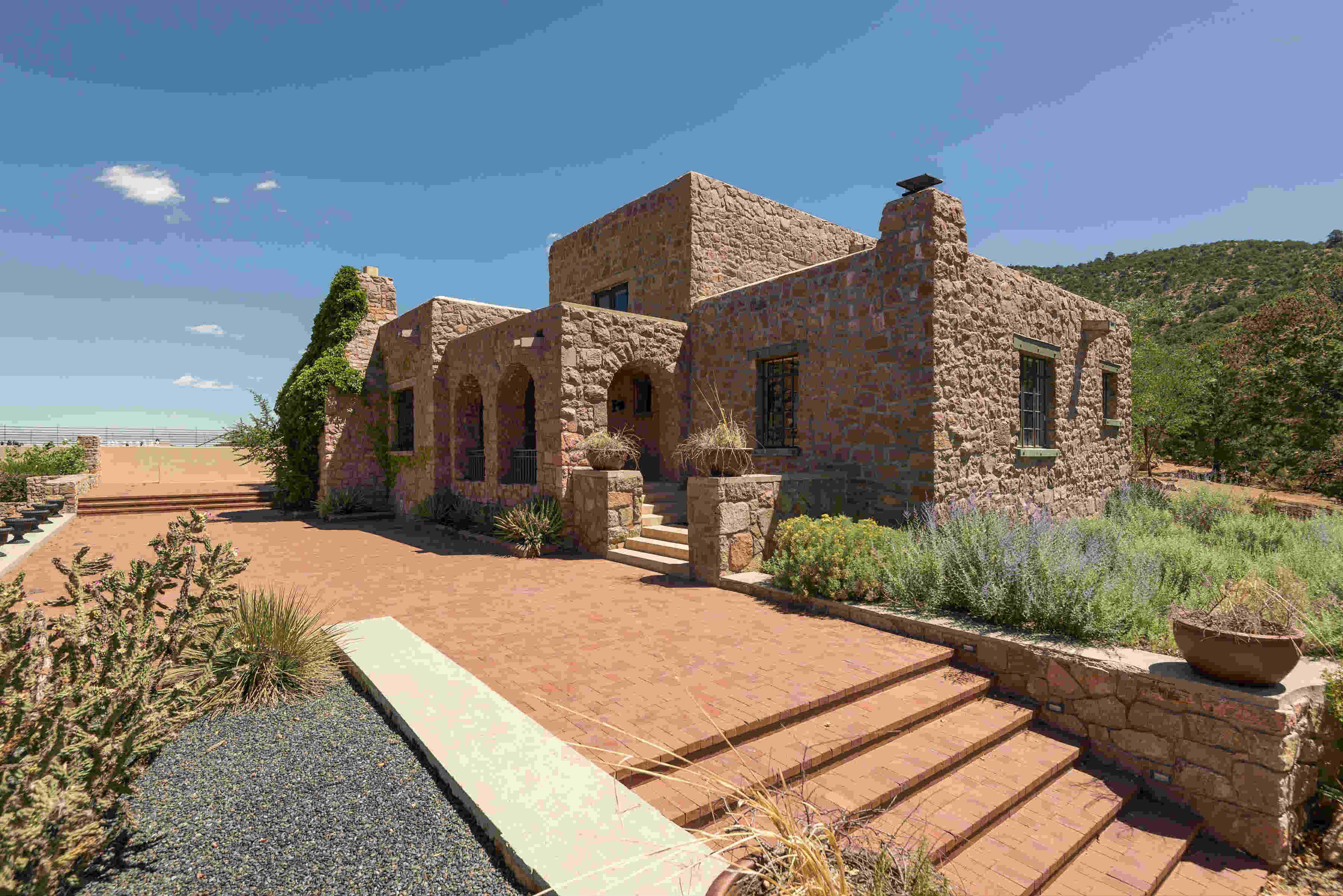 10 Altazano Drive, Santa Fe