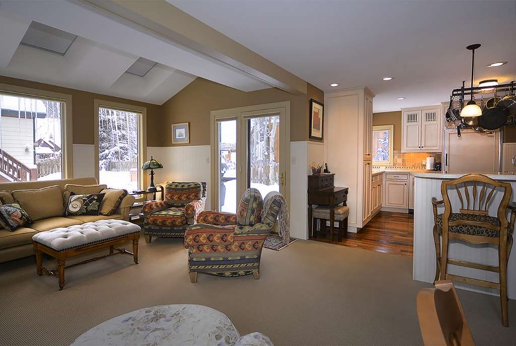 214-Sopris_02-living-room-1024x686