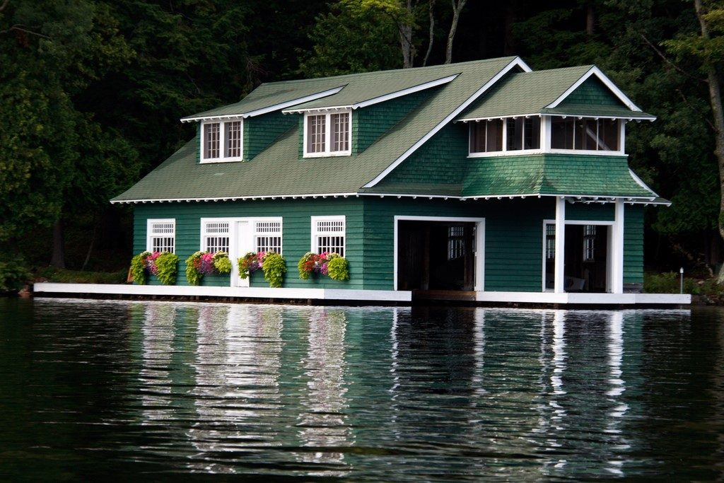 Muskoka waterfront property prices surged in 2016 for Waterfront cottage