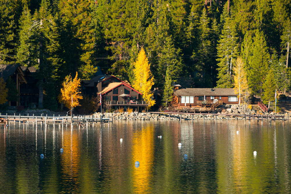 Carnelian bay on the north shore of lake tahoe for Shore fishing lake tahoe