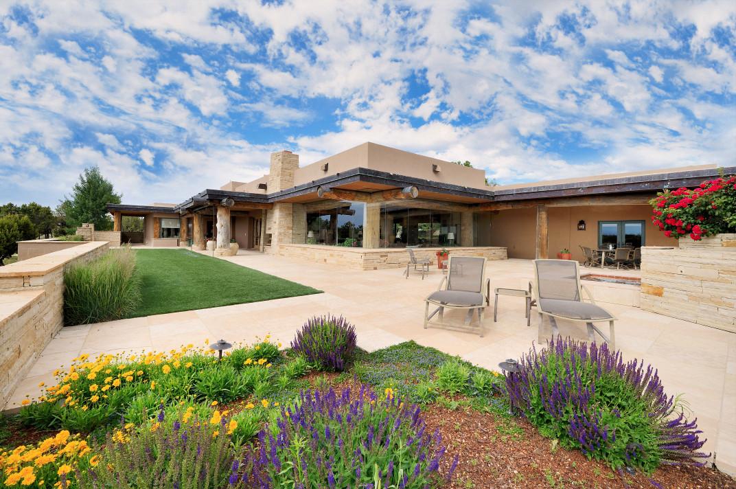 Superbly Designed Santa Fe Home