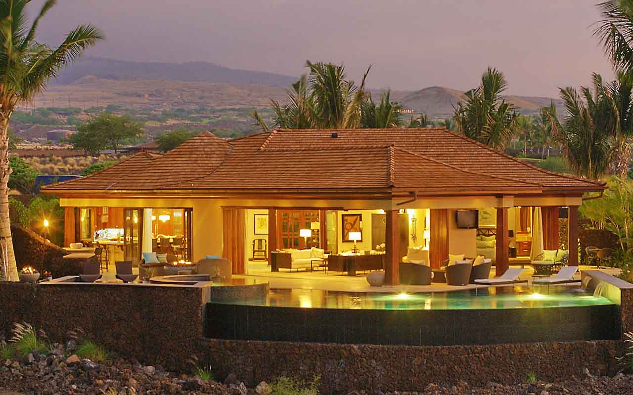 Serene Hawaiian Home Above A Fairway