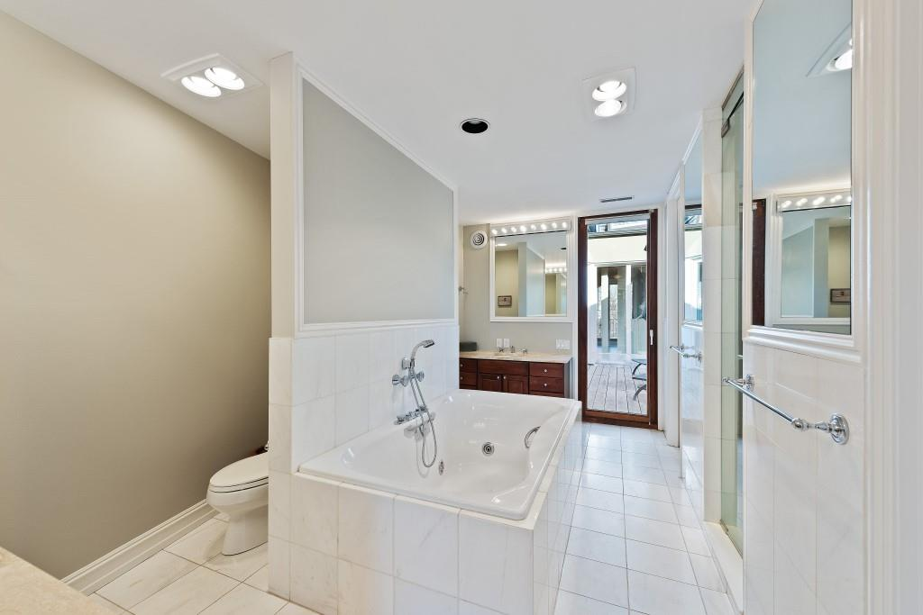 11 - Master Bathroom