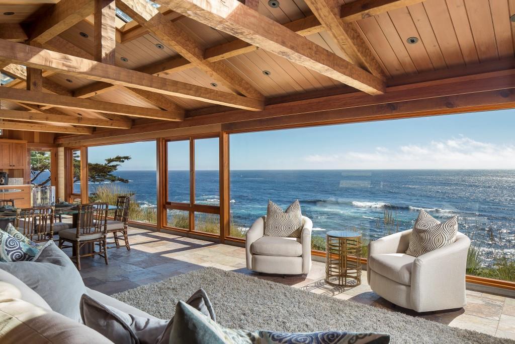 20-42 Yankee Point-Living Room
