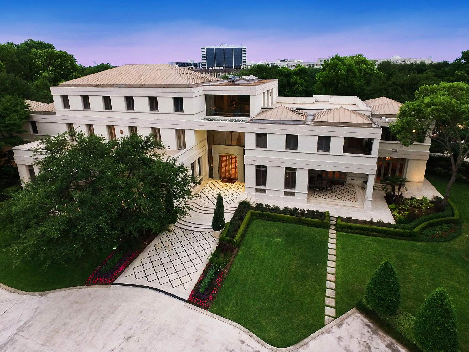 Houston house built for saudi prince is asking 20m for Home built house