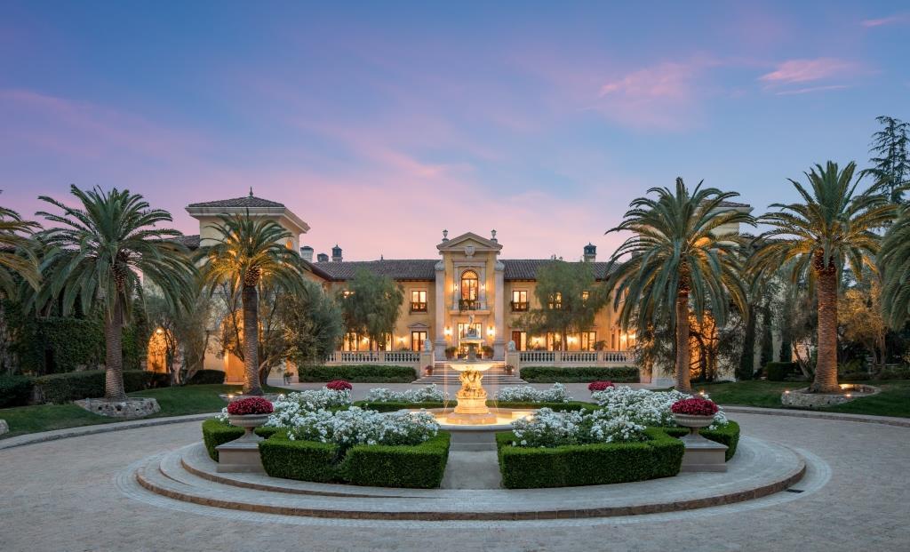 Villa firenze private paradise with italian grandeur for Villas firenze