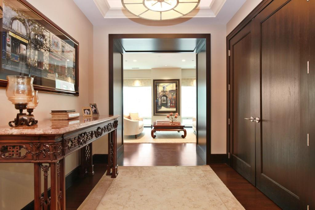 22 - Foyer
