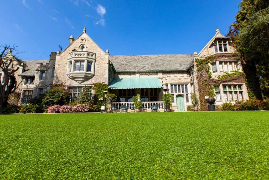 hefner-was-given-a-life-estate-at-the-mansion-meaning-that-he-was-allowed-to-stay-on-until-his-death