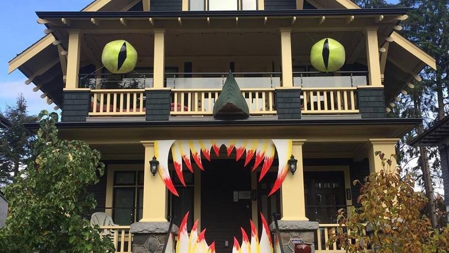 Halloween-House-e1477002450621