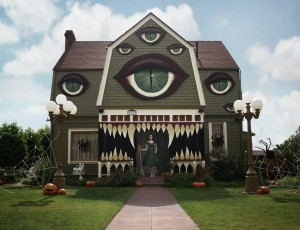 monster-house-christine-mcconnell-halloween-designboom-02