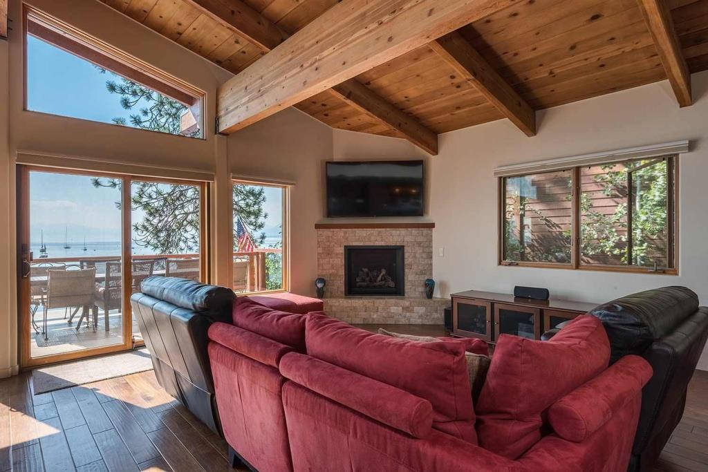 1402  1404 N Lake Blvd Tahoe-large-003-38-Living Room-1499x1000-72dpi