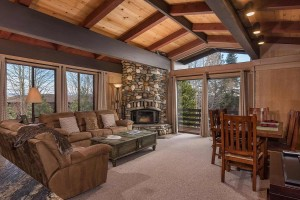 1877 N Lake Blvd 49 Tahoe City-large-003-2-Living Room with Lake View-1499x1000-72dpi