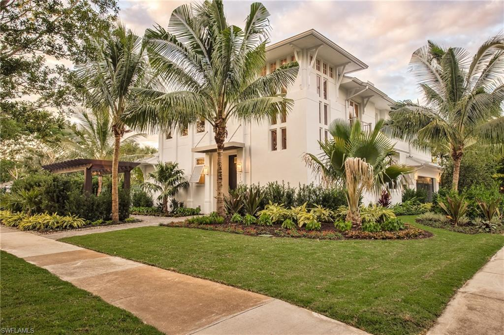 489 1st Ave S, Naples, FL 34102 is listed for $3,999,000 by Dante DiSabato
