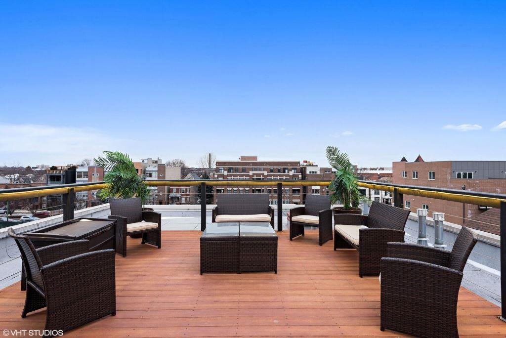 33 - Rooftop Deck_preview