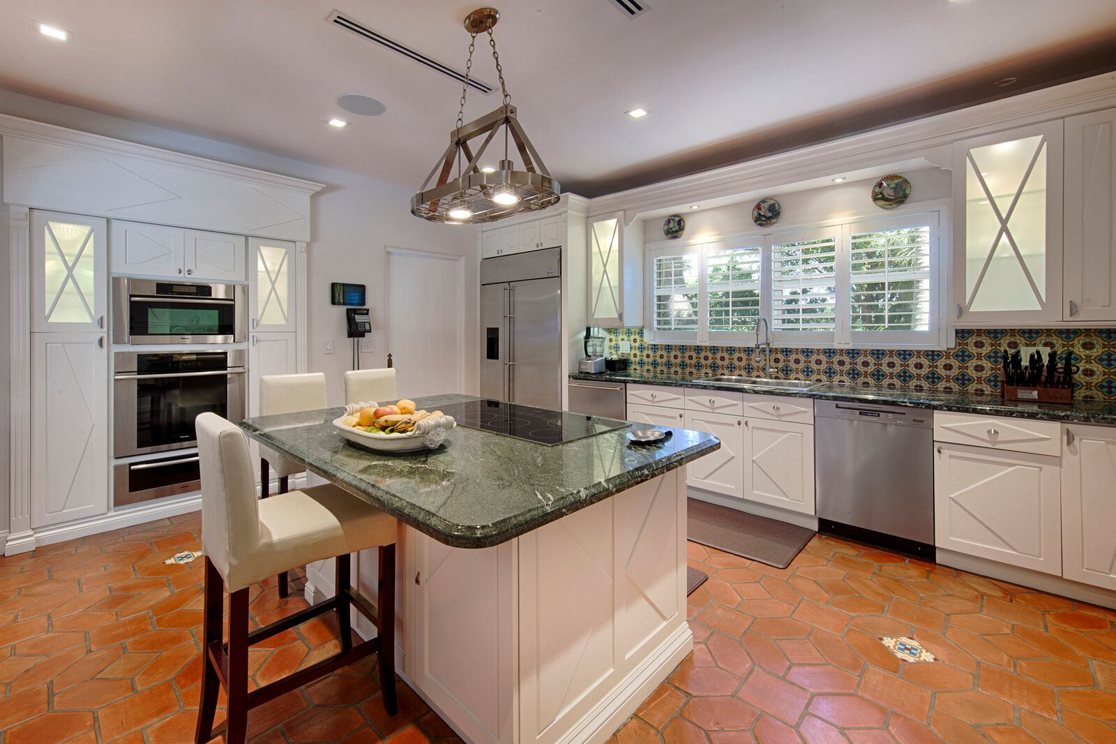 8_Kitchen_5120 Lakeview Dr_14_preview
