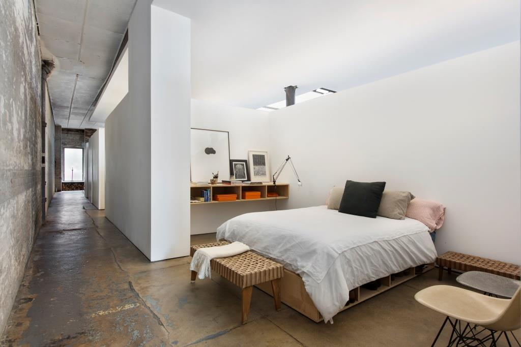 239West18thStreet31E_Raphael_DeNiro_DouglasElliman_Photography_58485268_high_res