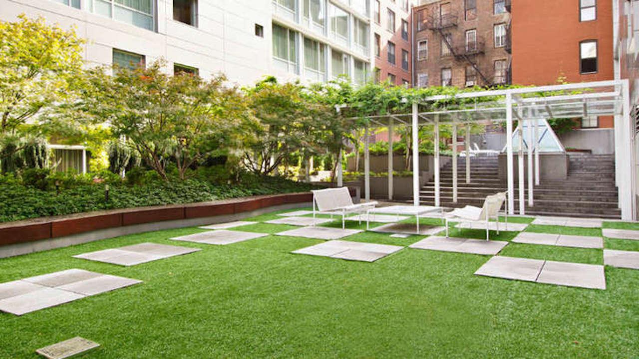 Justin Timberlake Soho Mews Courtyard