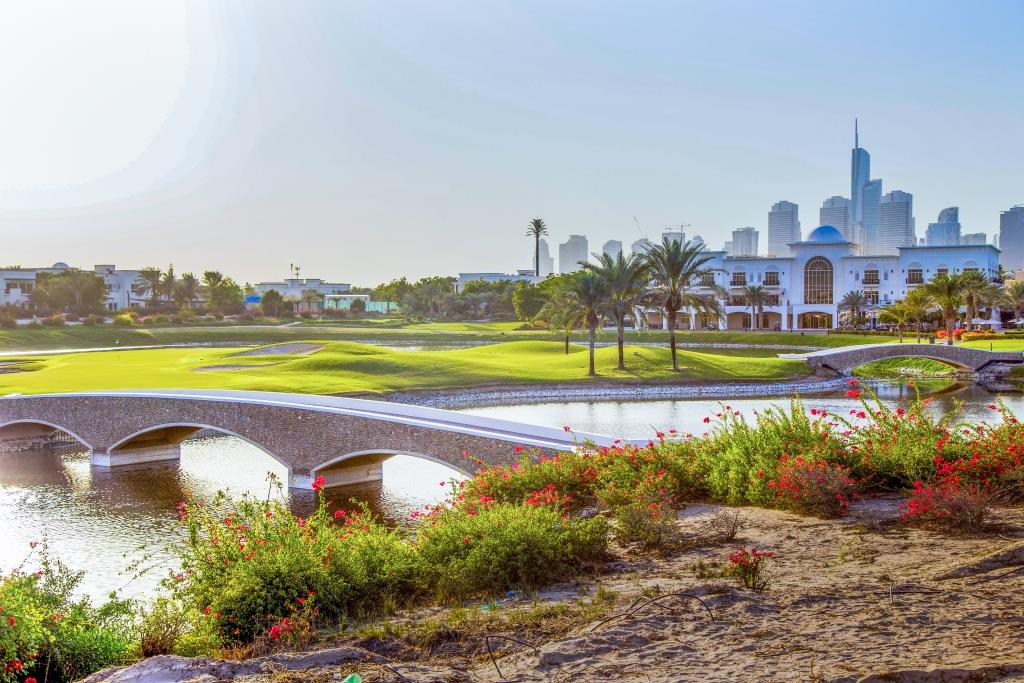 2 Emirates Hills Golf