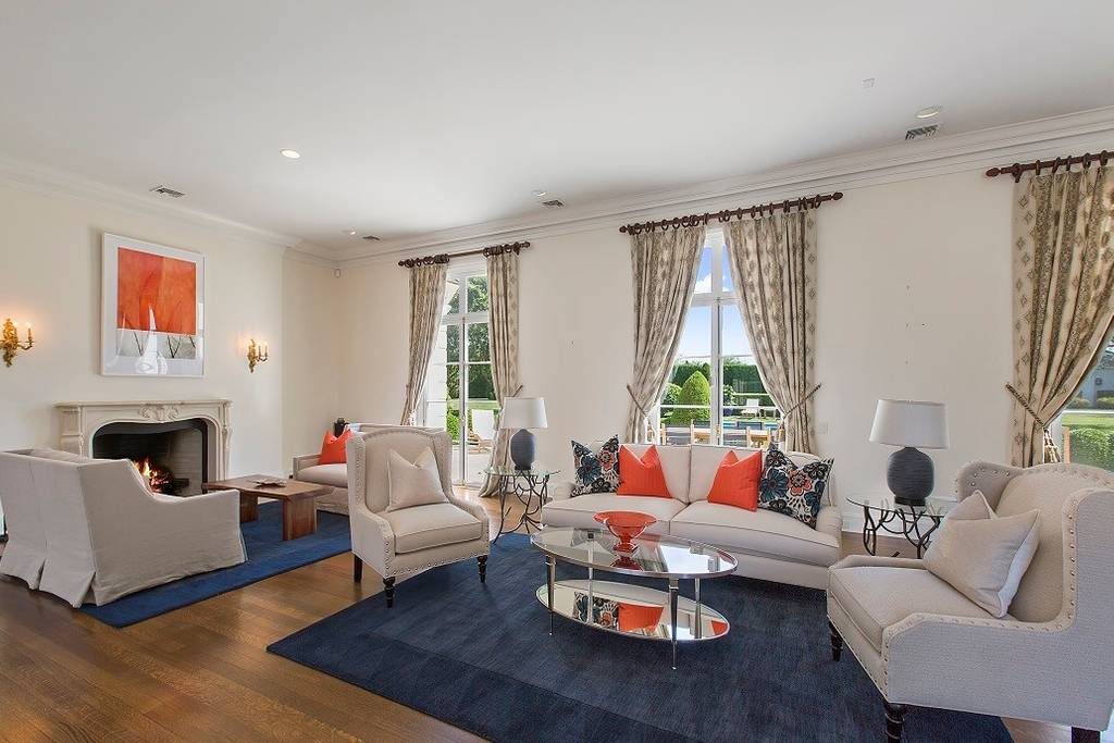 Living room in Bridgehampton estate