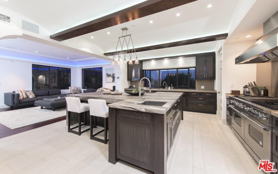 Deluxe Homes