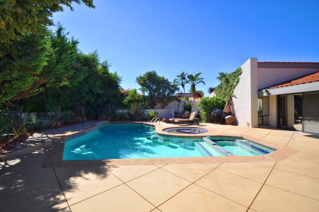 46 Backyard pool 1560 Via Leon
