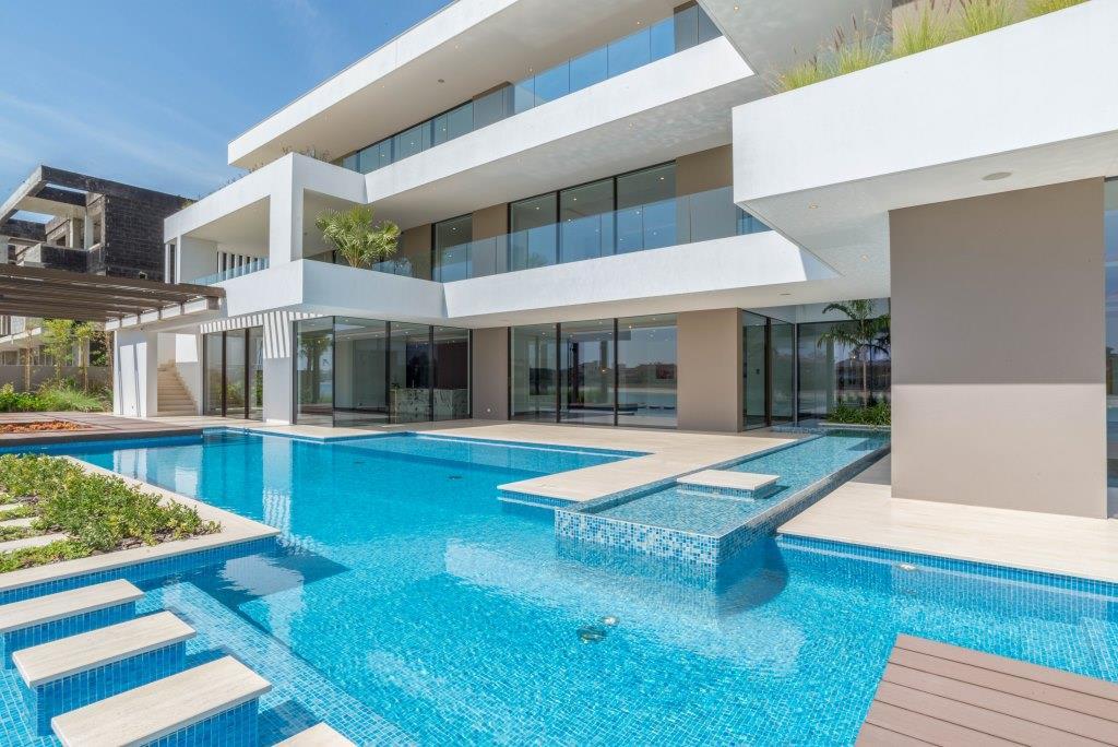 7 Palm Jumeirah Contemporary Beachfront Mansion
