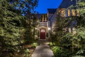 Leonardo Dicaprio buys Moby's house