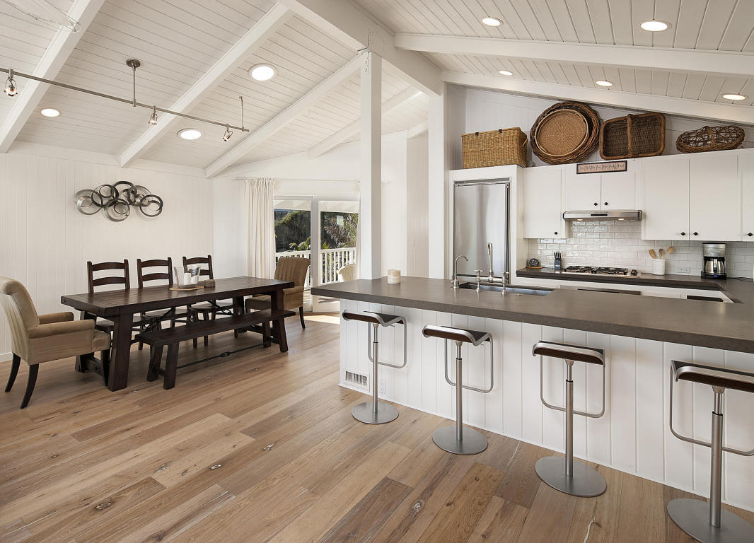 Ashton Kutcher Mila Kunis beach house kitchen