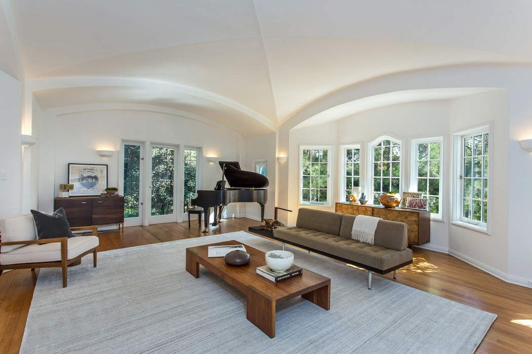 Leonardo Dicaprio Moby house living room
