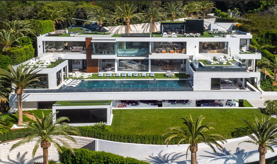0-the-most-expensive-home-in-USA-beyonce-jay-z-Los-Angeles-bel-air-luxurious-exterior-design-white-4-storey-mansion-palms-swimming-pool-helipad-panoramic-windows-garage