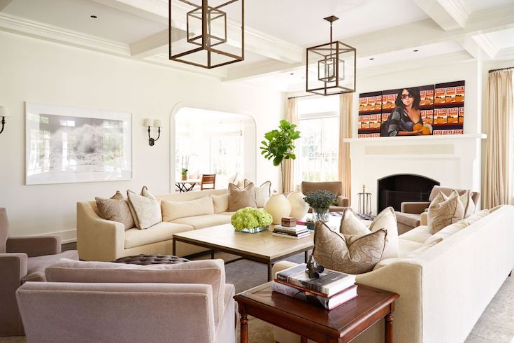 Alec Baldwin East Hampton home living room