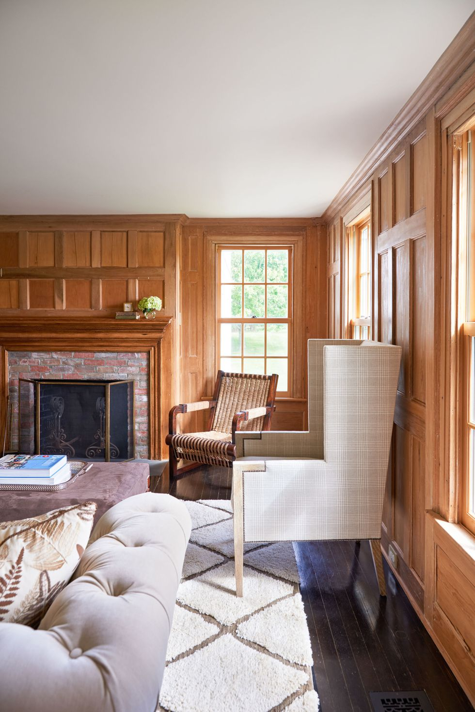 Alec Baldwin media room Hamptons House