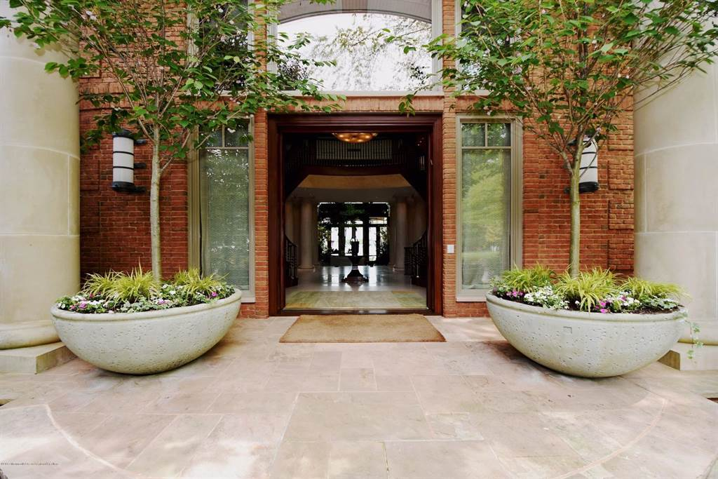 Grand Entranceways