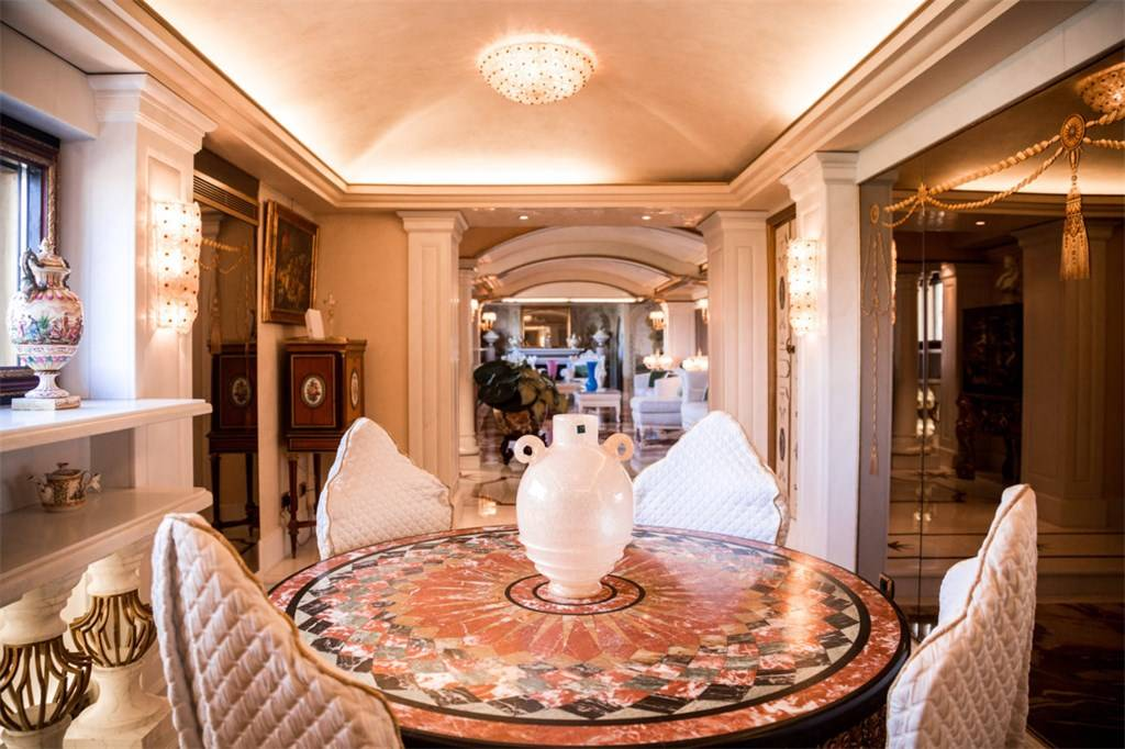 Italian Renaissance Homes That Boast Luxury Haute Residence Featuring The Best In Luxury Real Estate And Interior Design