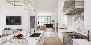 Lebron_James_LA_kitchen