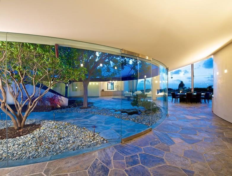 This 6 2 Million La Jolla Estate Boasts More Curves Than