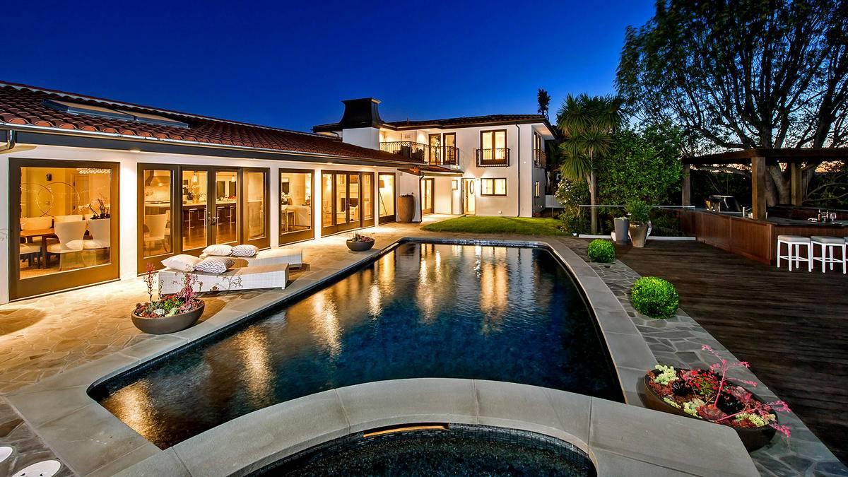 Mila Kunis Mansion