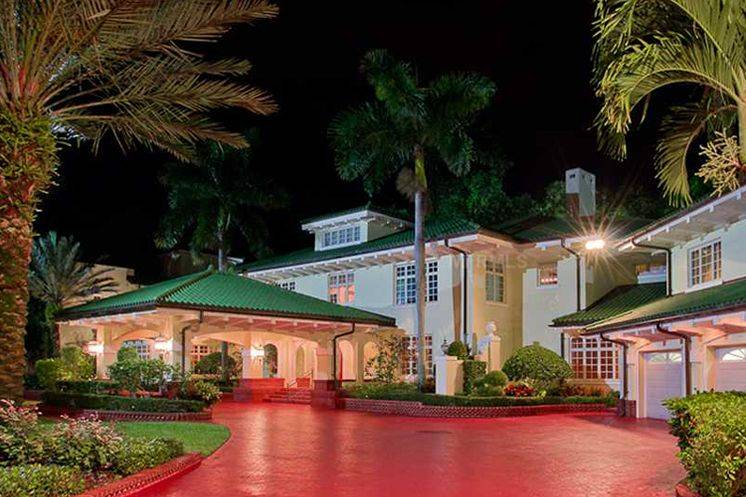 Century Oaks estate will be auctioned for a minimum of $8.5 million.