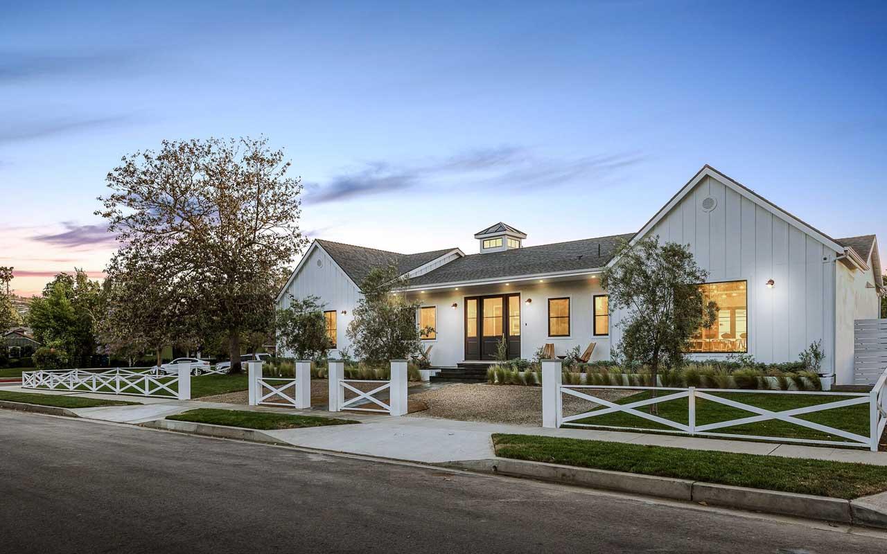 Classy Single-Story Modern Home