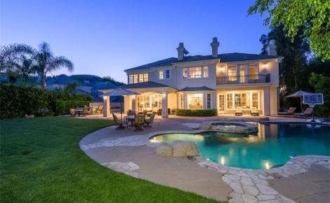 Kendrick Lamar Calabasas house backyard and pool