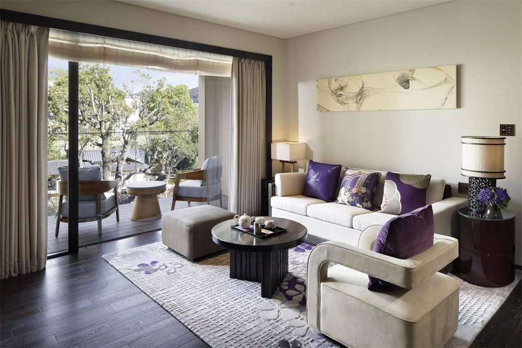 Luxury Staycation