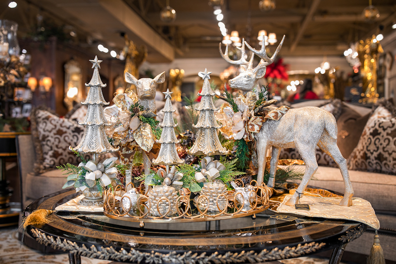Linly-Designs-Luxury-Christmas-Decor-and-Decorating-1