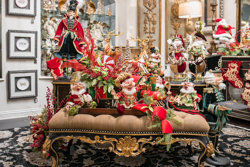 Linly-Designs-Luxury-Christmas-Decor-and-Decorating-2