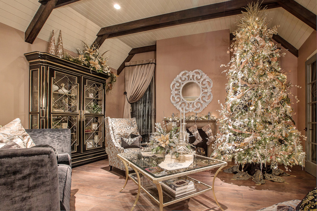 Linly Designs' Annual Christmas Open House Coming To Town!