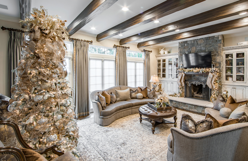 Linly-Designs-Luxury-Christmas-Decor-and-Decorating-4